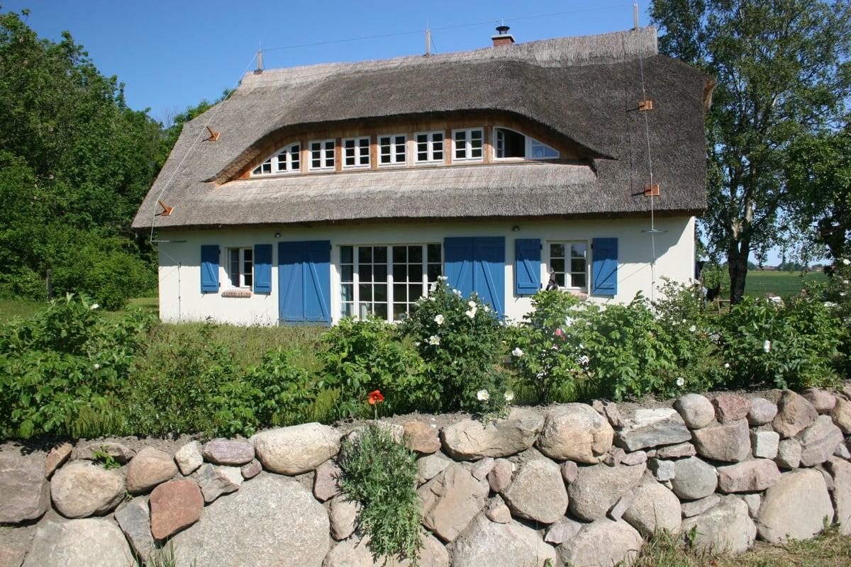 Häufig HARTFIEL & CO. - Ferienhaus Reetdachhaus Rügen SF07